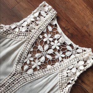 NWOT Love stitch crochet top sz SMALL